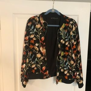Floral bomber jacket from Zara 🌸🌼🌻